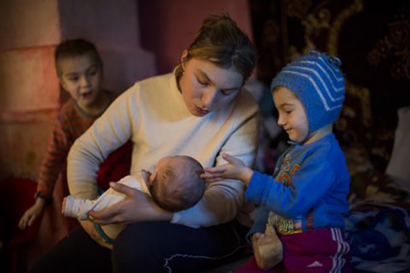 Investing in maternal healthcare and education services in Romania